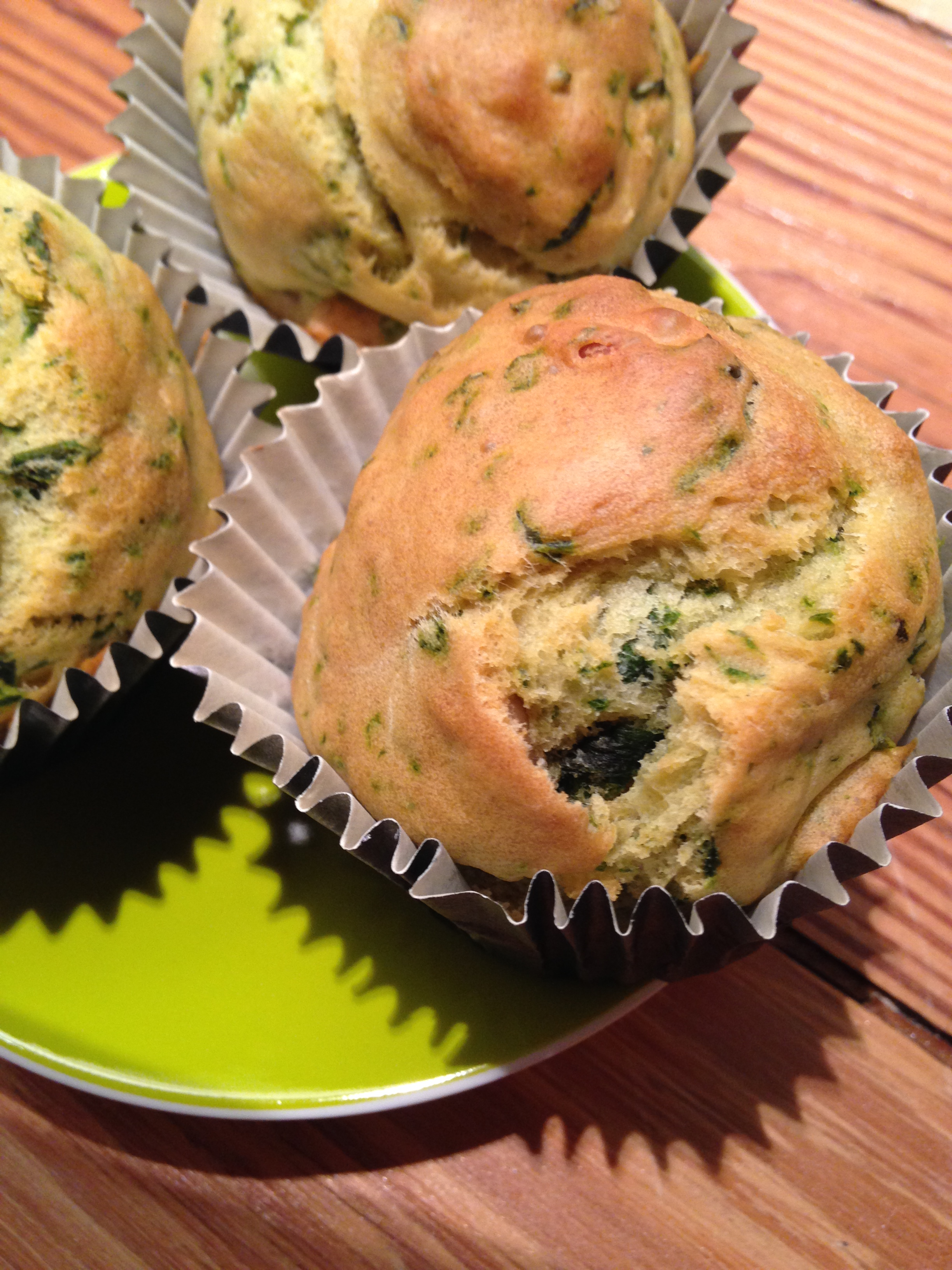 bärlauch-pinienkerne-muffins | wild garlic pine nuts muffins | vegan | vegetarian ❤