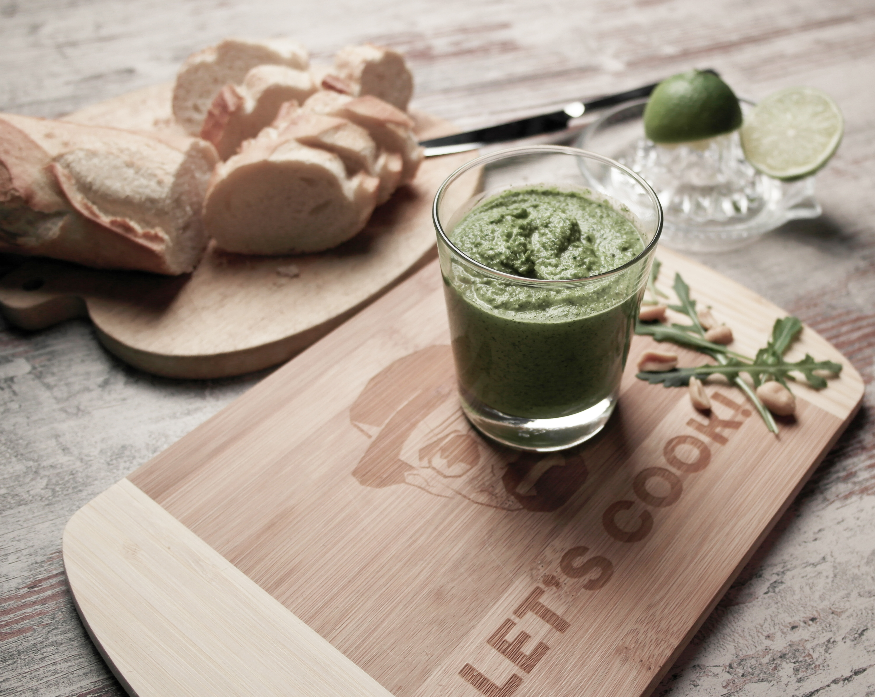 {#pestostorm} veganes erdnuss-rucola-pesto | vegan peanut rocket pesto