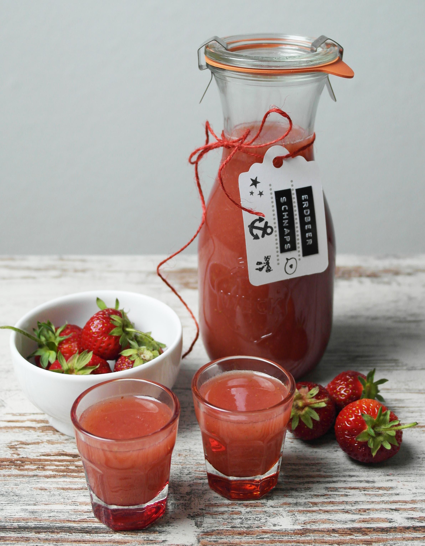 erdbeerschnaps mit vanille | strawberry vanilla snaps (vegan) ❤