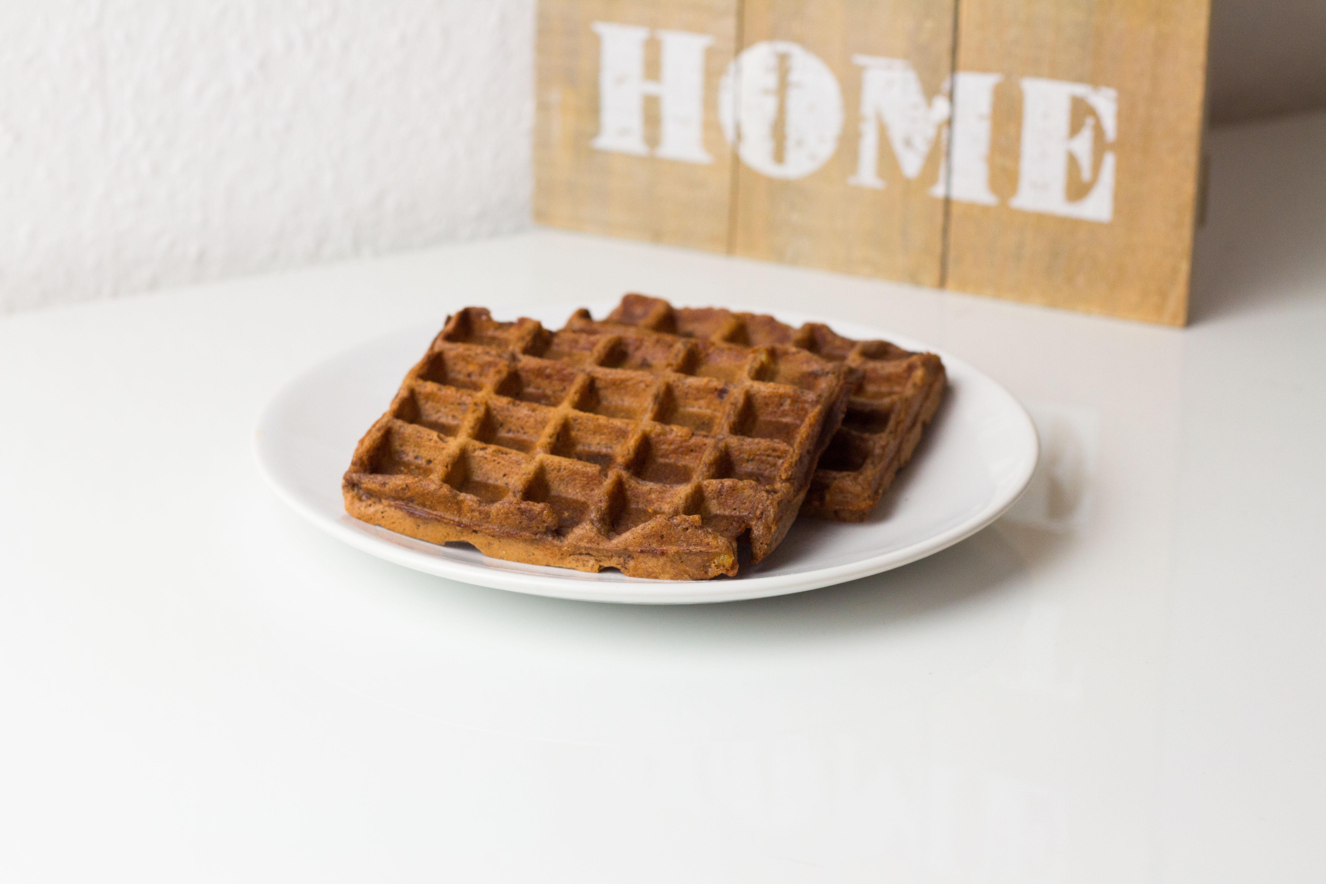 {#nomnomsguests} erdnussbutter-schokoladen-waffeln | mella von marsmaedchen (vegan)