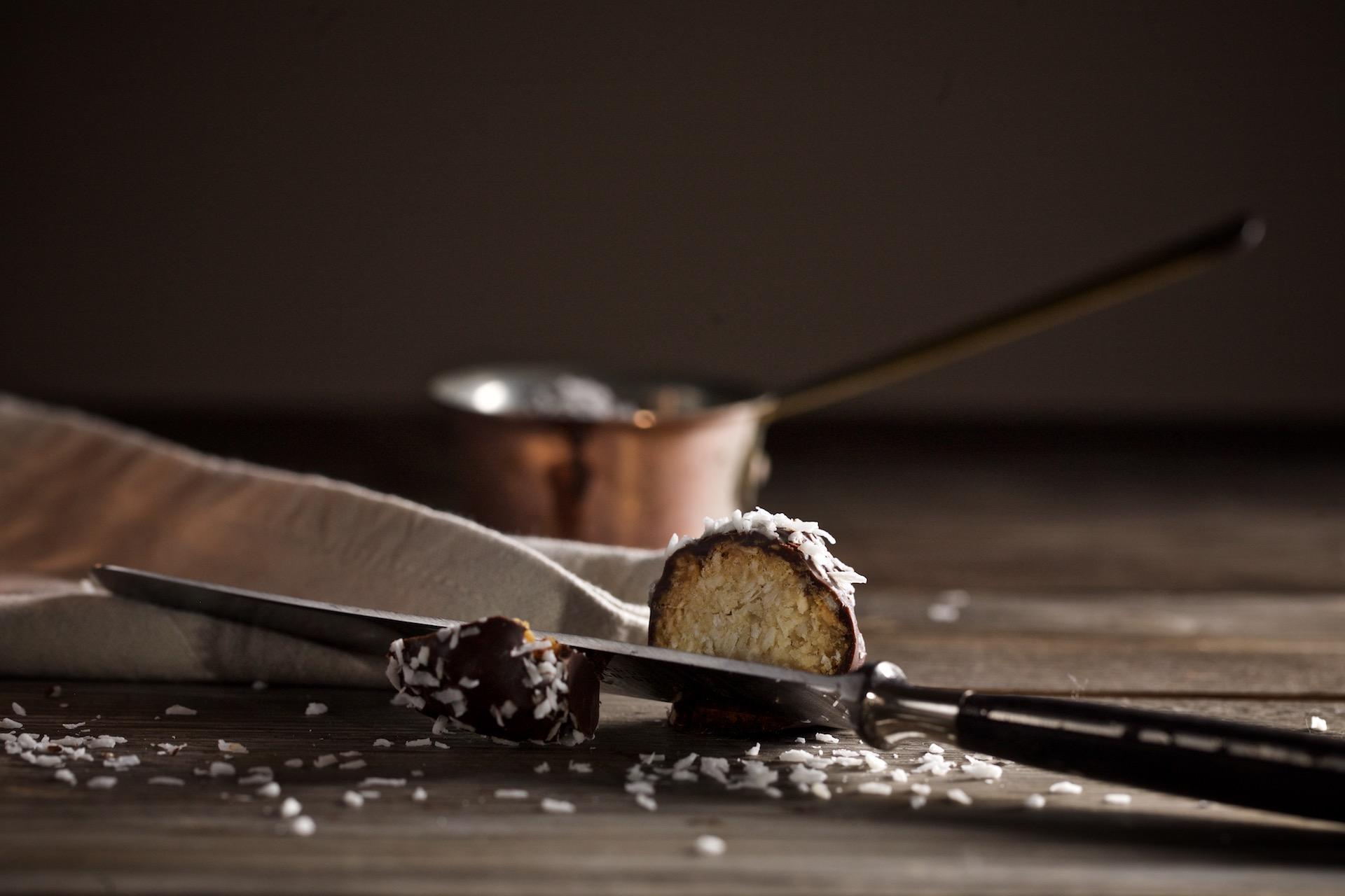 {#nomnomsguests} schoko-kokos-bällchen | tanja von ihana.eu (vegan)