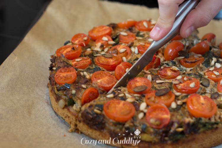 {#nomnomsguests} herbstlich & vegan: gemüse-quiche mit mangold, tomaten und zucchini | danny von cozy and cuddly (vegan)