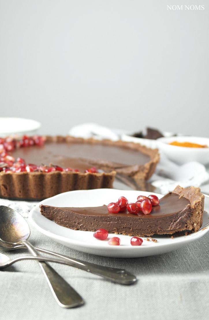 "<a href=""https://nomnomrose.wordpress.com/samsung-csc-337/""><img class=""alignnone wp-image-3802"" src=""https://nom-noms.de/wp-content/uploads/2016/08/chili02.jpg"" alt=""schokoladen-chili-tarte | chocolate chili tart (vegan | werbung ) ❤"" width=""480"" height=""721"" /></a>"