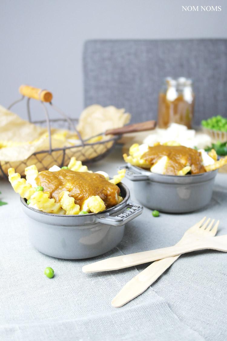 vegetarische poutine aus kanada: pommes, käse & braune soße (vegetarian) ❤