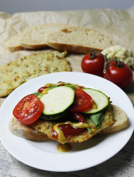 white dinner | blumenkohlfrikadellen oder blumenkohlburger | cauliflower burger patties