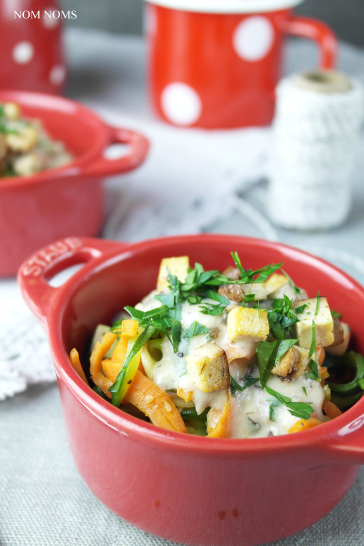 gemüse-spaghetti mit veganer carbonara | vegetable spaghetti with vegan carbonara ❤ blogevent re•create