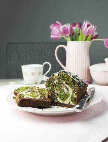 triple mamorkuchen mit matcha tee | triple marble cake with matcha tea