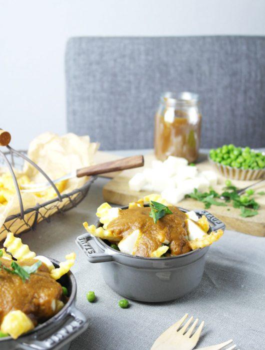 {mein heimatgericht} vegetarische poutine aus kanada: pommes, käse & braune soße ❤