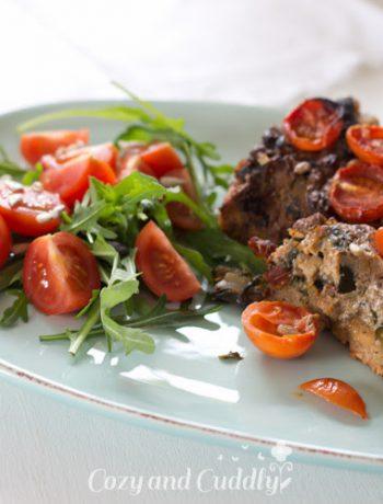 gemüse-quiche mit mangold, tomaten und zucchini