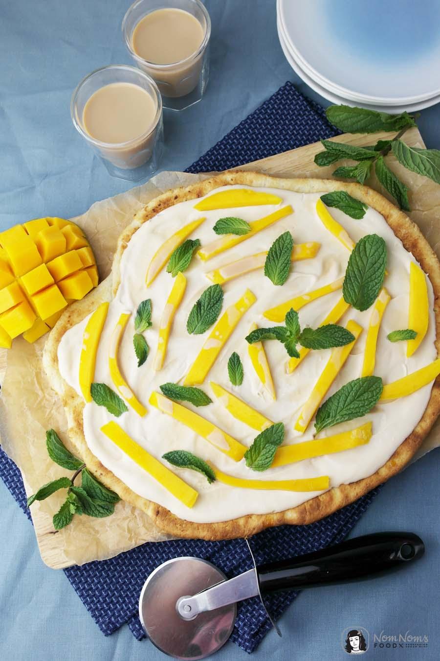 Süße Pizza mit Amarula, Mango und Minze