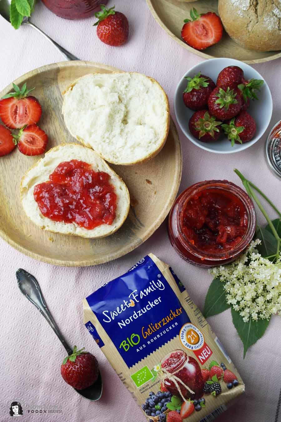 Erdbeer-Minze-Marmelade und Erdbeer-Holunderblüten-Marmelade ❤