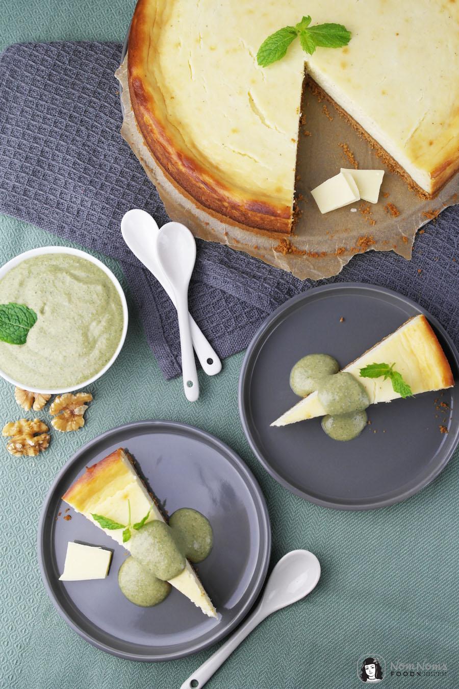 Käsekuchen mit weißer Schokolade und süßem Walnuss-Minz-Pesto