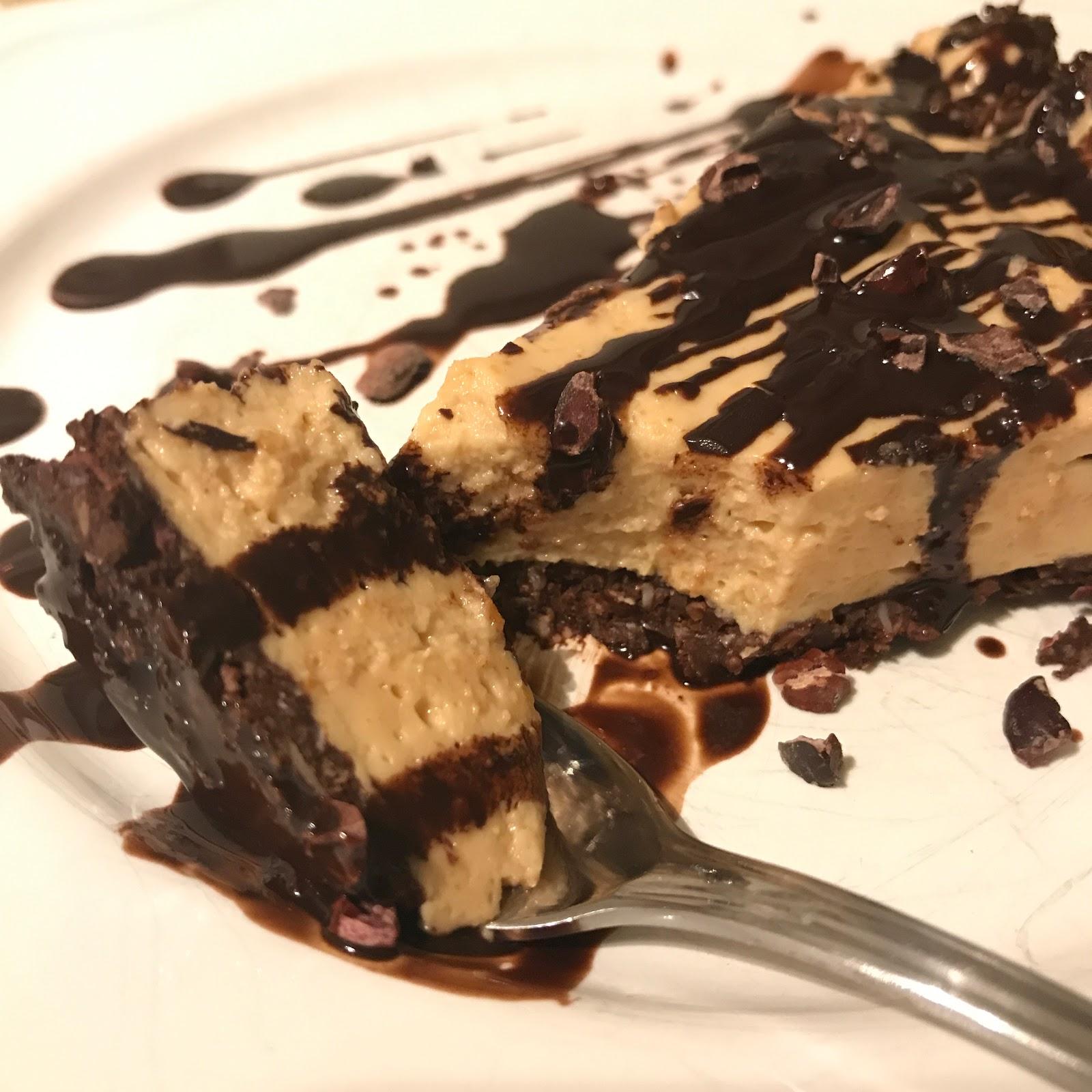 No-Bake-Schoko-Tarte mit Erdnussbutterfüllung