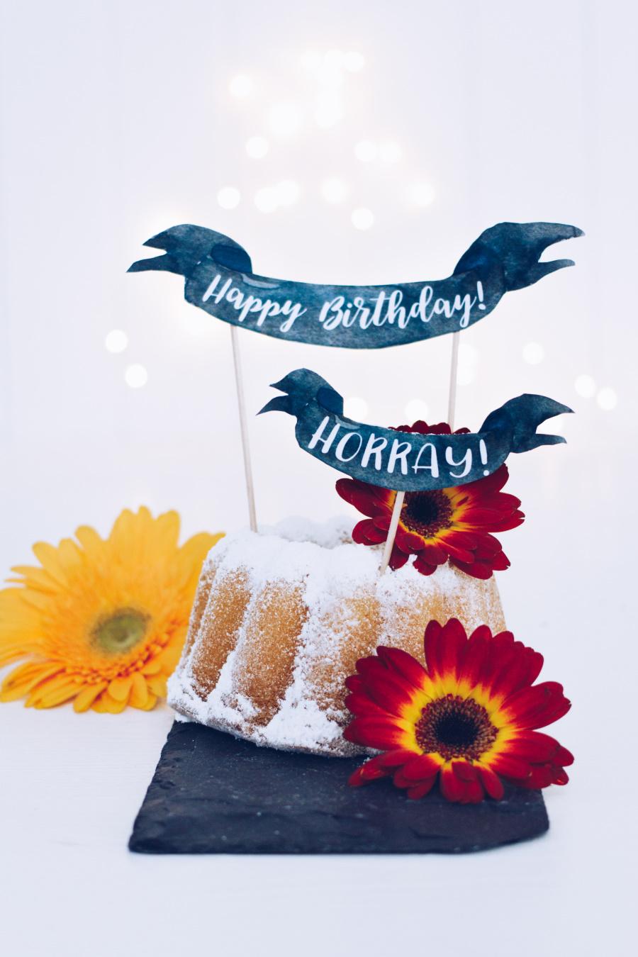 Selbst gemachte Cake Topper für den Geburtstagskuchen