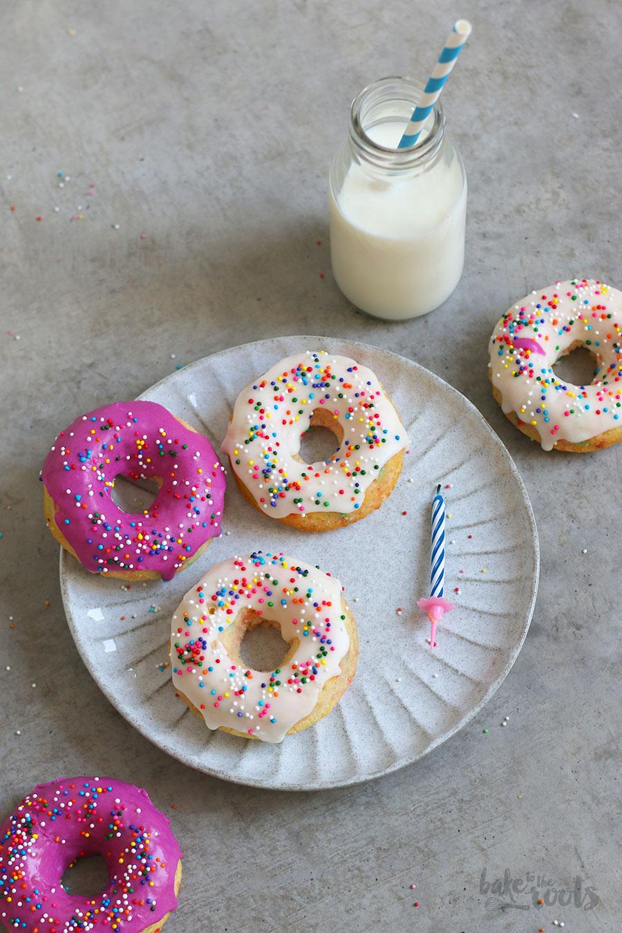 """Easy Baked Funfetti """"Happy Birthday"""" Donuts"""