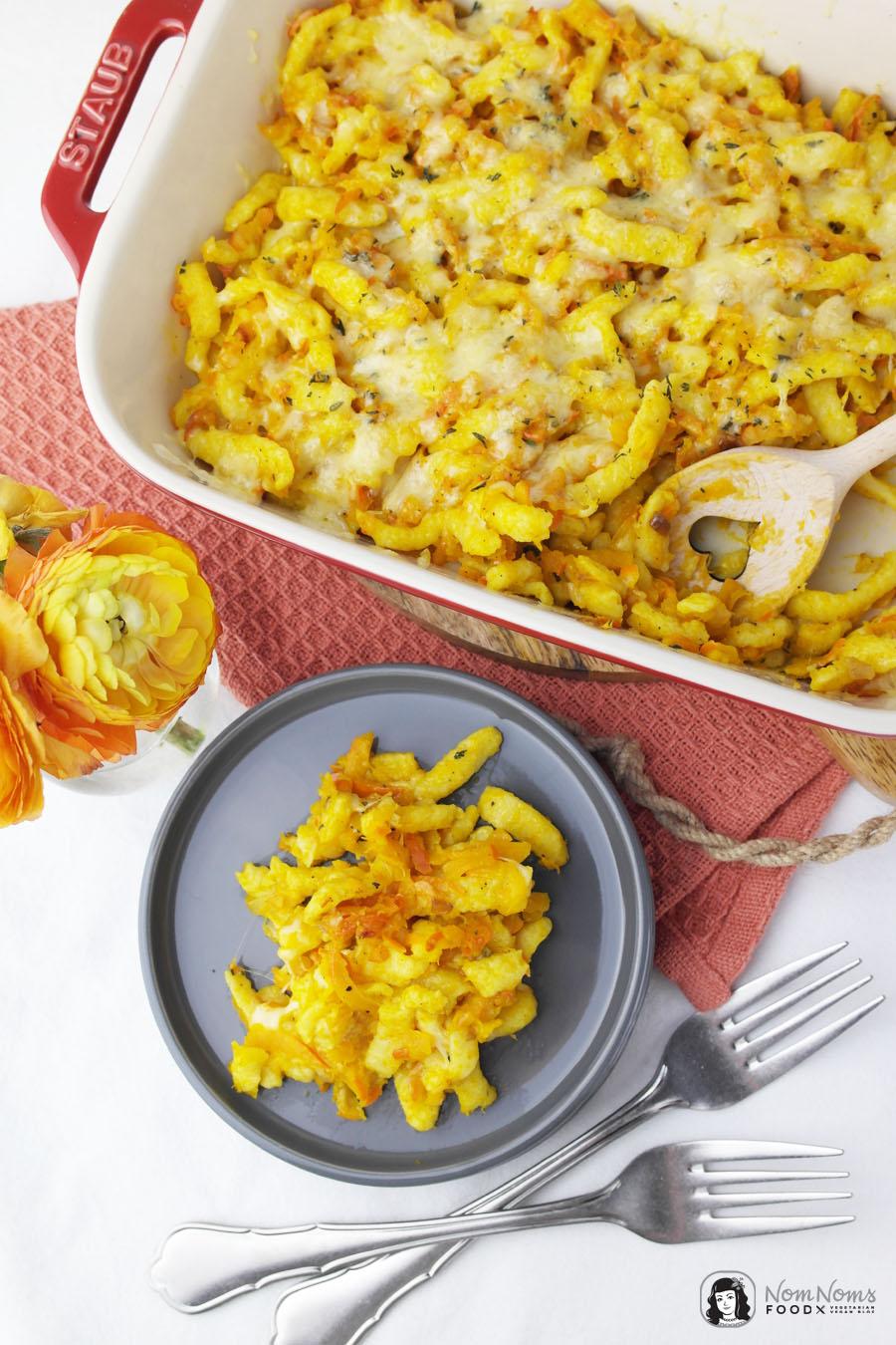 Kürbis-Käsespätzle mit Curry und Thymian