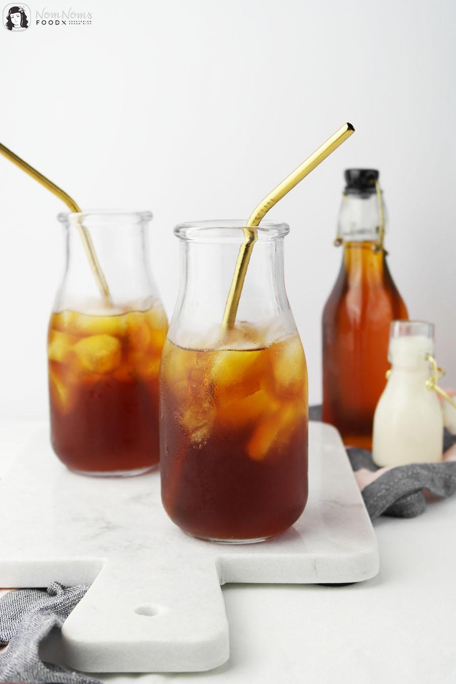 """Salz-Karamell-Sirup für Salted Caramel Iced Latte mit Cold Brew"""""""