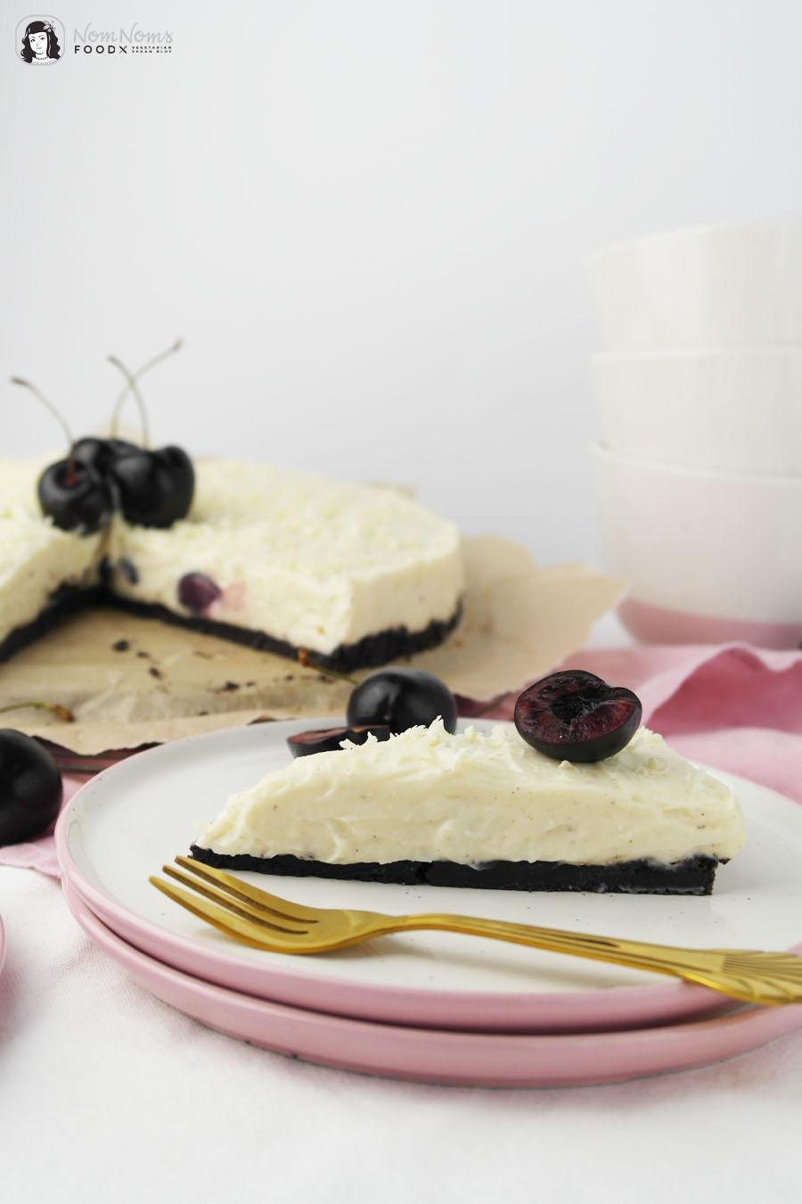 Weiße Schokolade Käsekuchen mit Kirschen ohne Backen no bake Cheesecake
