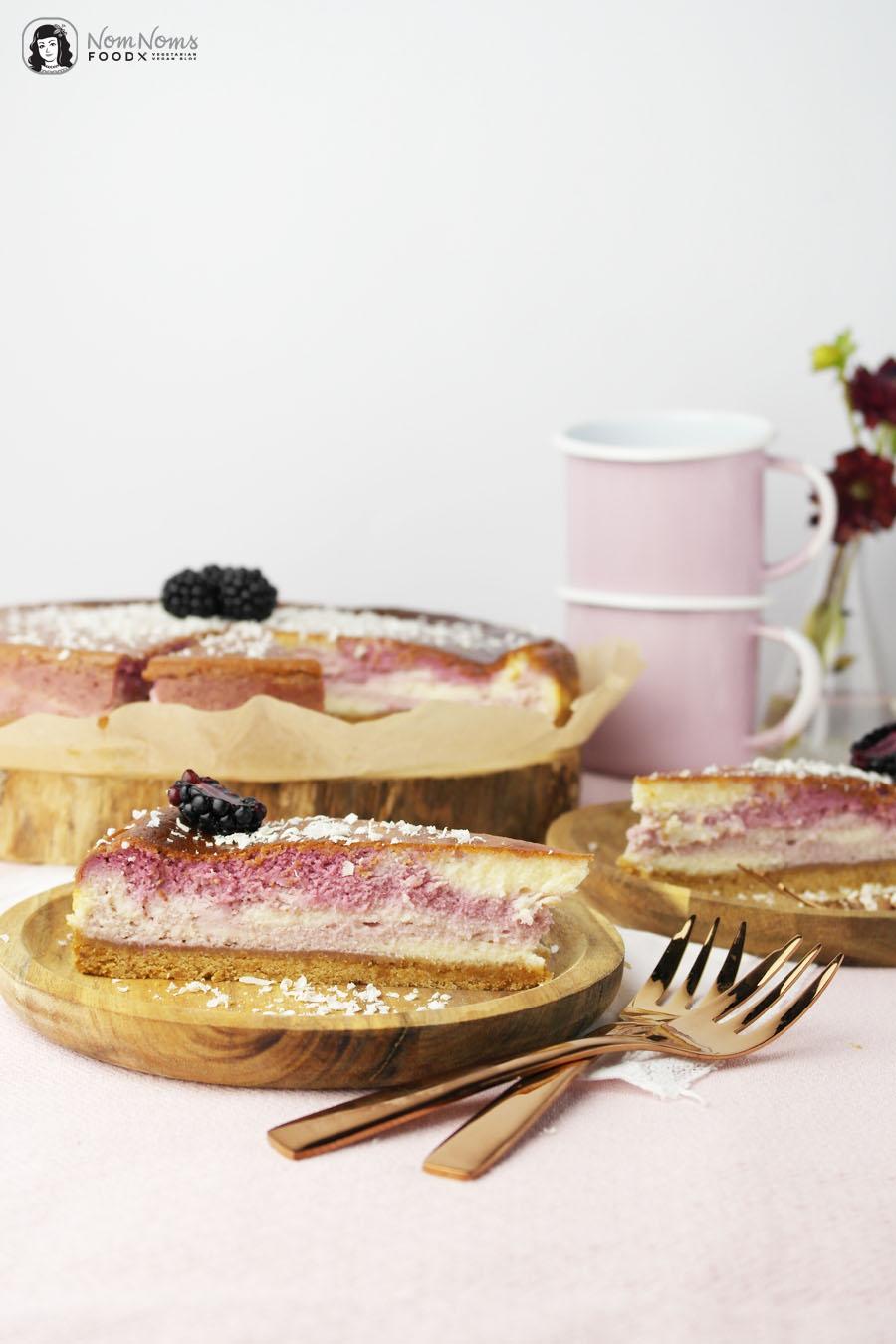 Brombeer-Käsekuchen mit weißer Schokolade