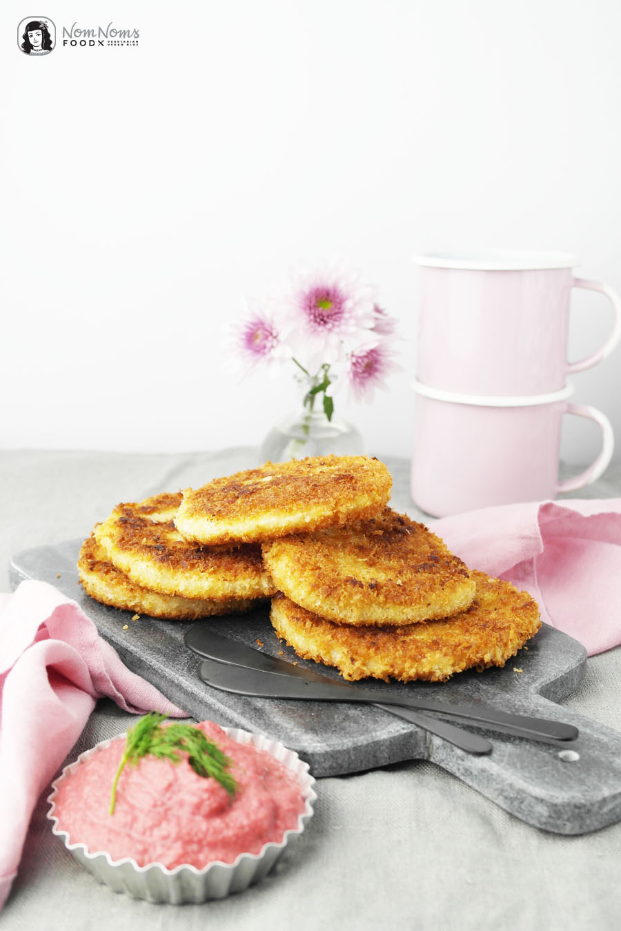 Sellerie-Schnitzel mit Rote-Bete-Apfel-Meerrettich-Dip