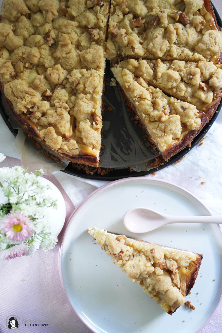 Apple Rhubarb Cheesecake Pie with Crumble Walnut Crust | Apfel-Rhabarber-Käsekuchen mit Walnuss-Streusel-Decke