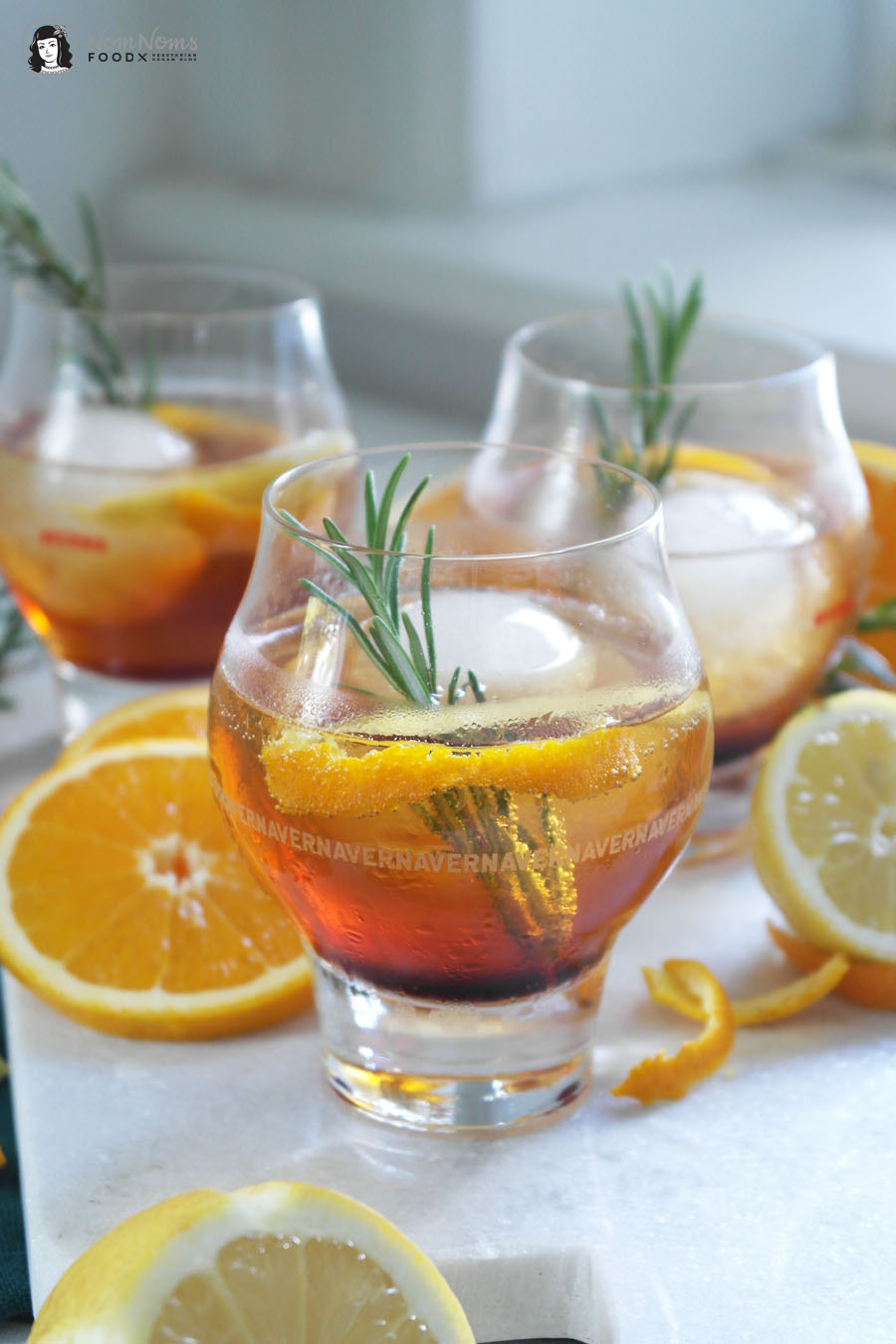 Kräuter Gin Tonic mit Averna und Rosmarin
