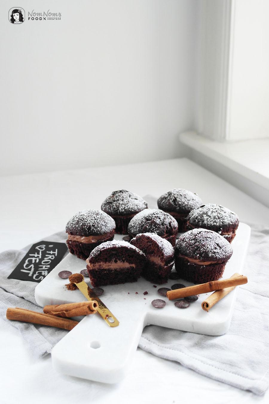 Schokoladen-Zimt-Küchlein mit cremiger Nuss-Nougat-Füllung