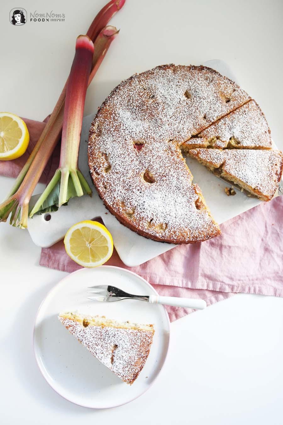 Rhabarber-Zitronen-Mandelkuchen ohne Mehl