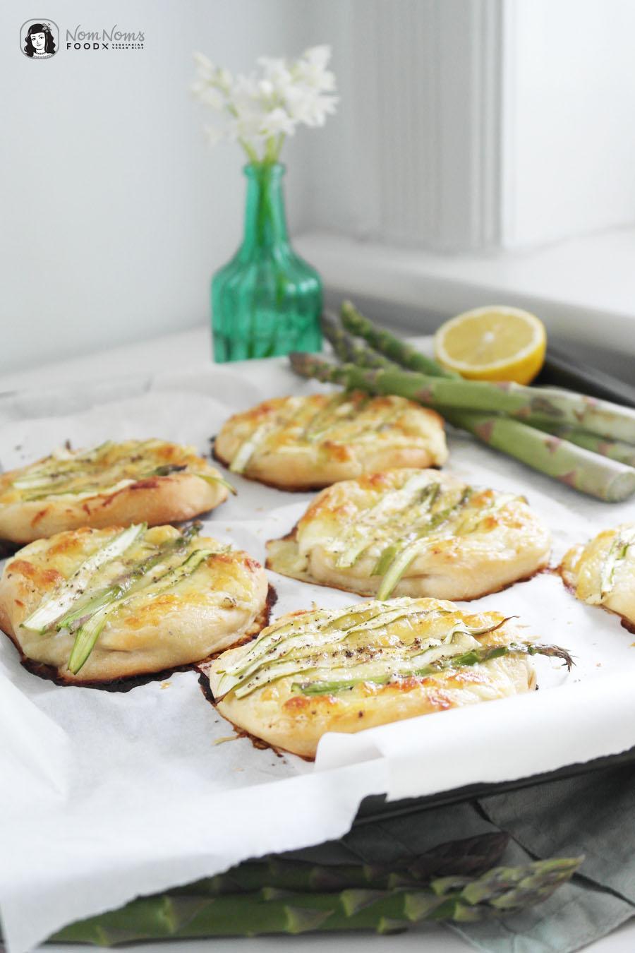 Einfache Grüner-Spargel-Pizza aus nur 6 Zutaten Fix vom Blech