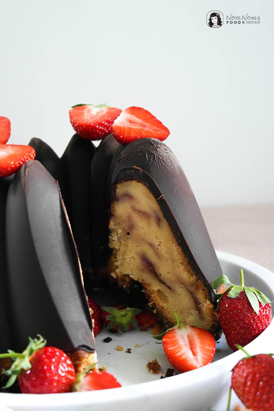 Erdbeer-Joghurt-Rührkuchen mit Schokoladen-Glasur oder auch Yogurette-Kuchen