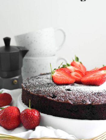 Erdbeer-Schokoladen-Mandelkuchen ohne Mehl (glutenfrei)